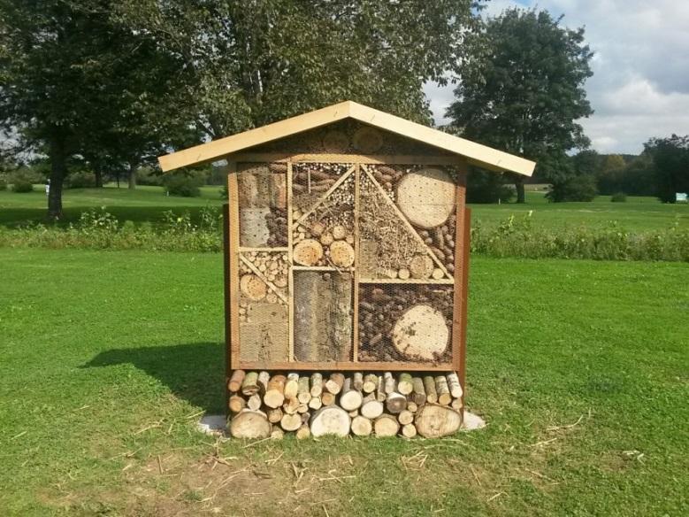 Golfclub Bad Worishofen Reisighaufen Totholzstapel Und Insektenhotel